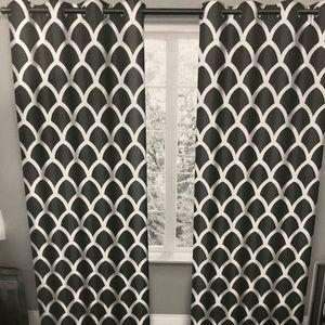 Other - BNWT 2 grommet panels